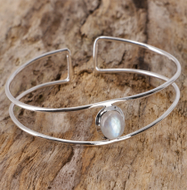 Boho bangle with semi-precious stone - moonstone