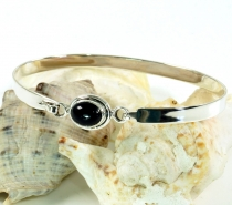Boho silver bangle with semi-precious stone - Onyx