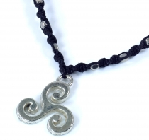 Makramee necklace with celtic sunwheel