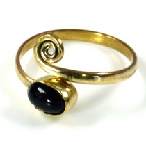 Brass Toe Ring, Goa Foot Jewelry, Indian Toe Ring - Gold/Onyx